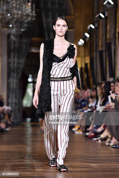 Vanessa Moody walks the runway during the Lanvin show as part of the Paris Fashion Week Womenswear Spring/Summer 2017 on September 28, 2016 in Paris,...