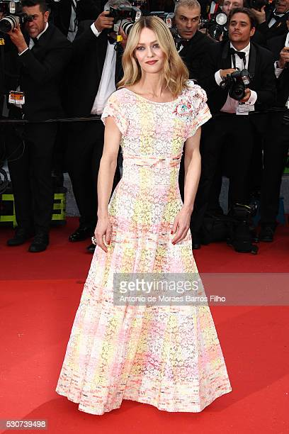 Vanessa Paradis arrives at 'Cafe Society' Opening Gala of the 69th Annual Cannes Film Festival on May 11 2016 in Cannes