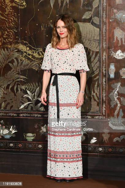 Vanessa Paradis attends the photocall of the Chanel Metiers d'art 2019-2020 show at Le Grand Palais on December 04, 2019 in Paris, France.