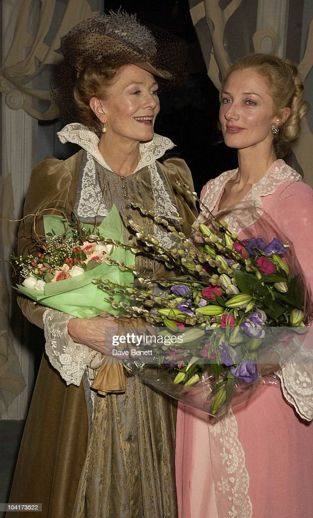 Vanessa Redgrave And Daughter Joely Richardson, 'Lady Windemere's Fan' First Night, At The Theatre Royal Haymarket,and The Party At The Trafalgar Hotel, London.