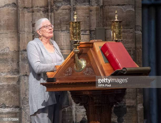 Vanessa Redgrave speaks during a memorial service for Sir Peter Hall OBE at Westminster Abbey on September 11 2018 in London England Sir Peter Hall...