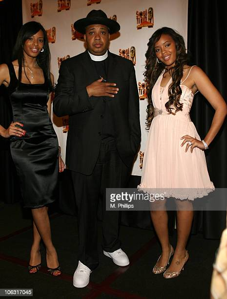 Vanessa Simmons Reverend Run and Angela Simmons presenters