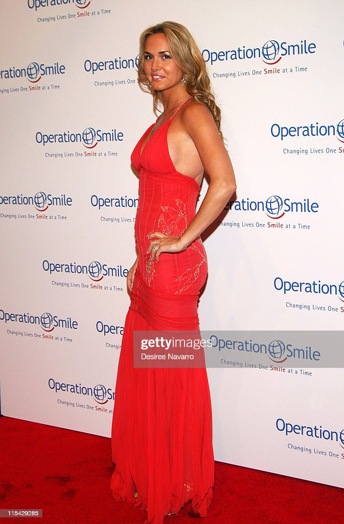 """""""The Smile Collection"""" - Operation Smile's Annual Charity Dinner and Live"""
