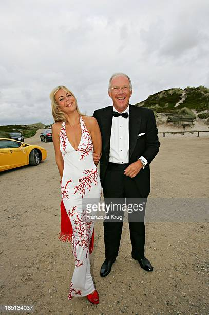 Vanessa Von Zitzewitz Und Dr Ernst Langner Beim Empfang In Der Sansibar Am Abend Nach Der Kirchlichen Hochzeit Von Stich In Rantum Auf Sylt Am 110605