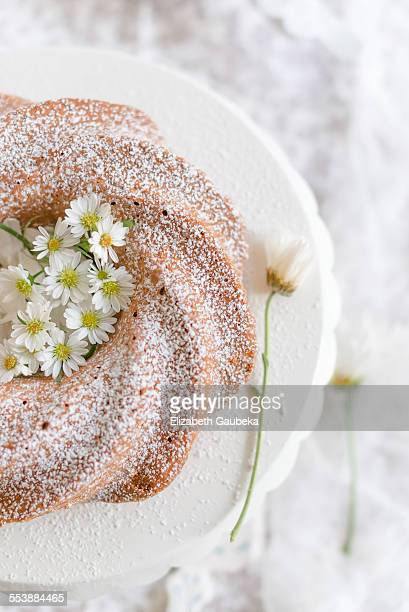 Vanilla bundt with fresh edible flowers