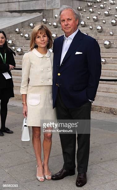 Vanity Fair editor Graydon Carter and wife Anna Scott Carter attend the Vanity Fair Party during the 9th Annual Tribeca Film Festival at the New York...