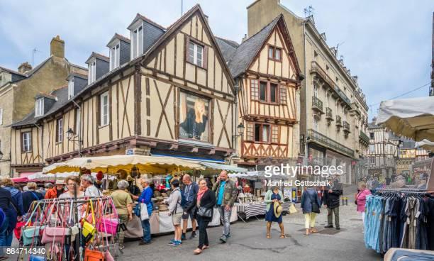 vannes market at place de lices - ヴァンヌ ストックフォトと画像