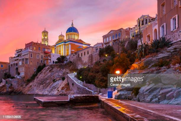 vaporia district of ermoupoli town on syros island. - creta fotografías e imágenes de stock