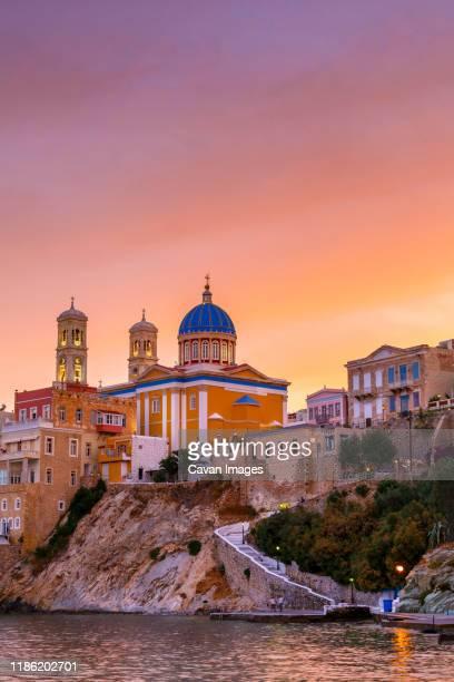 vaporia district of ermoupoli town on syros island. - creta fotografías e imágenes de stock