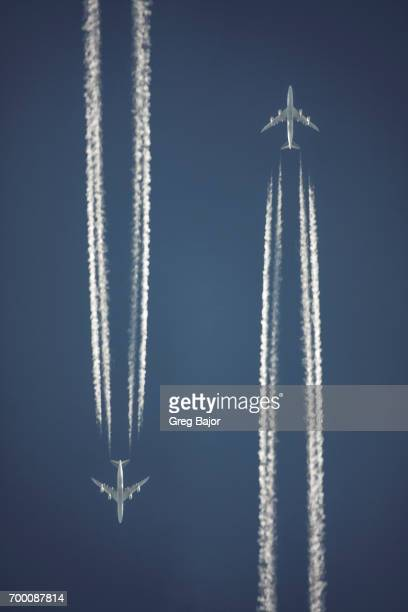 Vapour trails of commercial airplanes