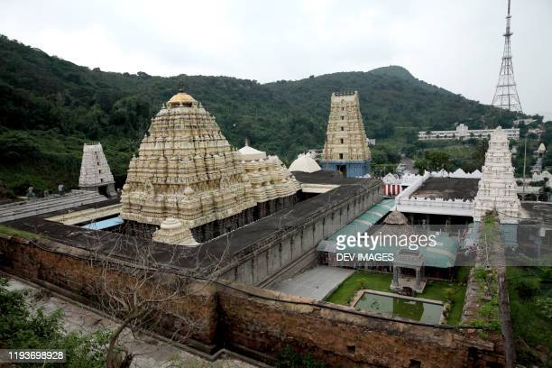 varaha lakshmi narasimha temple, simhachalam,visakhapatnam,india - ヴィシャカパトナム ストックフォトと画像