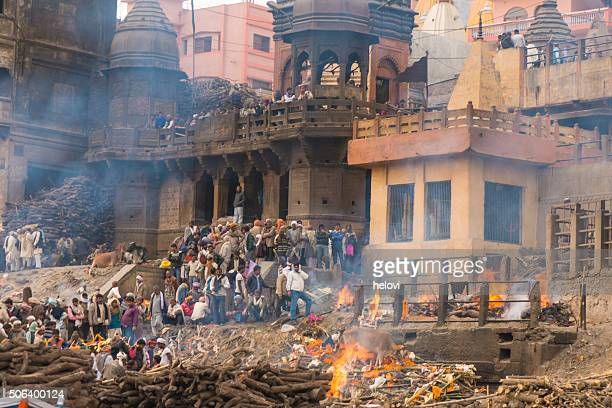 varanasi burning grounds - ganges river dead bodies stock photos and pictures