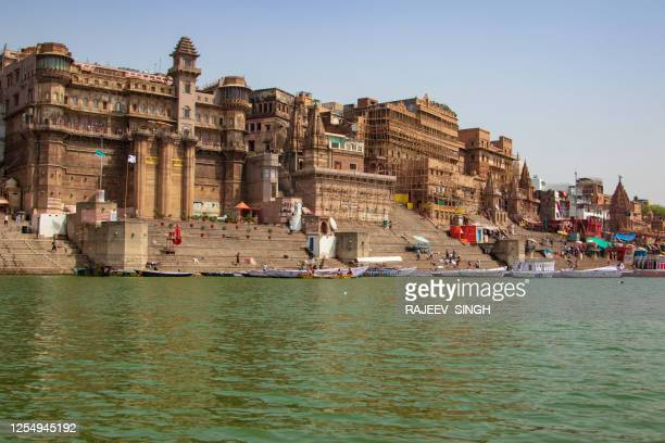 varanasi river front steps - river ganges stock pictures, royalty-free photos & images