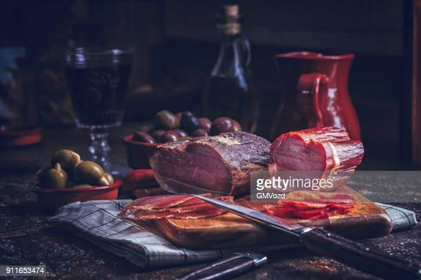 Variación del español Salami, salchicha, jamón y queso de buena calidad