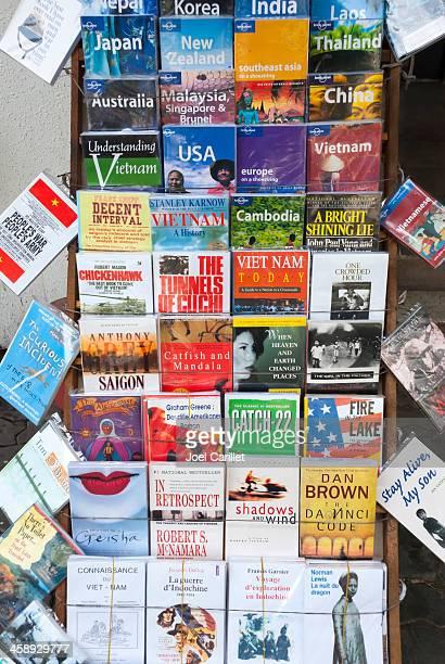書籍の販売に関するベトナム、旅行 - 作品名 キャッチ=22 ストックフォトと画像