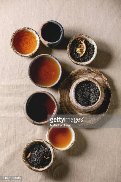variety of hot and dry tea - wabi sabi - fotografias e filmes do acervo