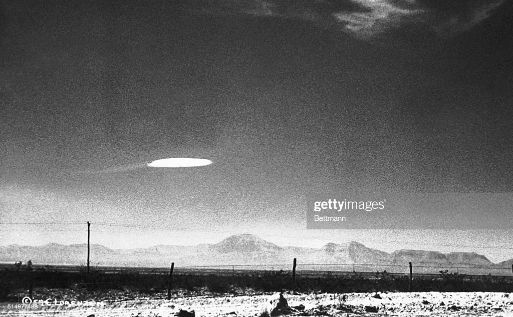 UFO Flying Over New Mexico : News Photo