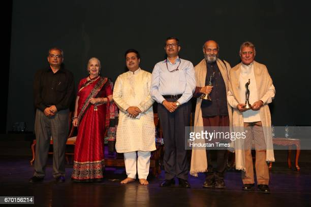 Varinder Wadhwa actors Sushma Seth Ram Gopal Bajaj and Naresh Kapuria during an evening of light sound dance choreography organized by Chaman Lal...