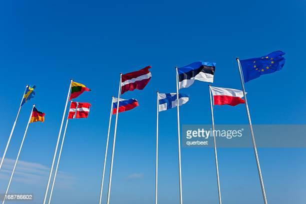 さまざまな国からのバルト海諸国の旗