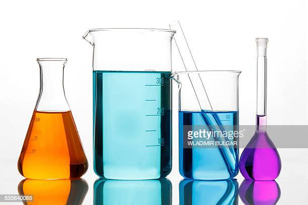 various lab glassware - laboratory glassware stock pictures, royalty-free photos & images