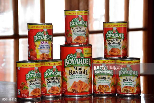 Various packaged canned pasta