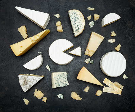 Various types of cheese - parmesan, brie, roquefort, cheddar 918444926