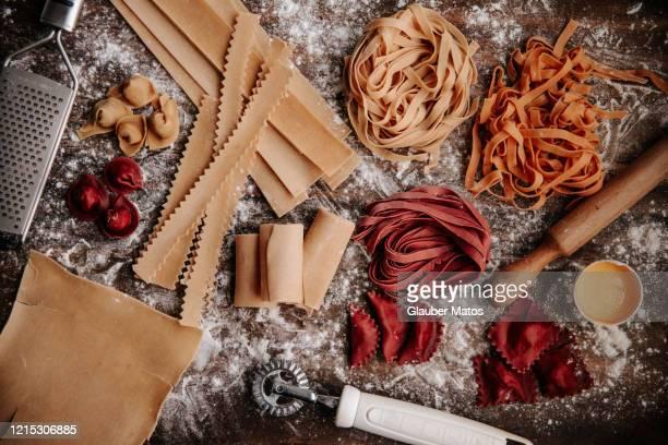 various types of raw pasta - palmas tocantins imagens e fotografias de stock
