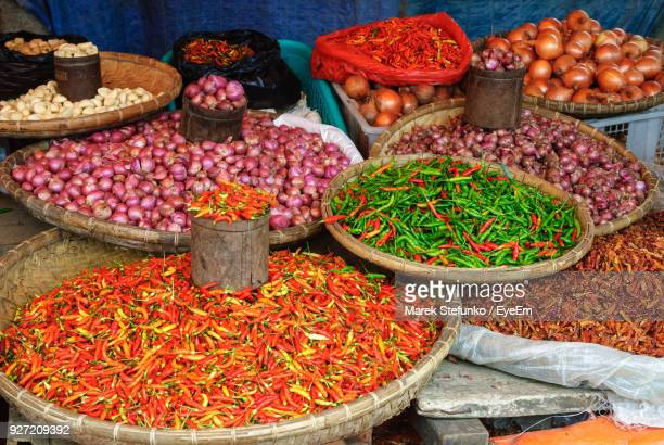 various vegetables for sale at market stall - marek stefunko imagens e fotografias de stock