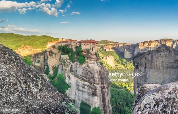varlaam monastery in meteora, greece - meteora stock pictures, royalty-free photos & images