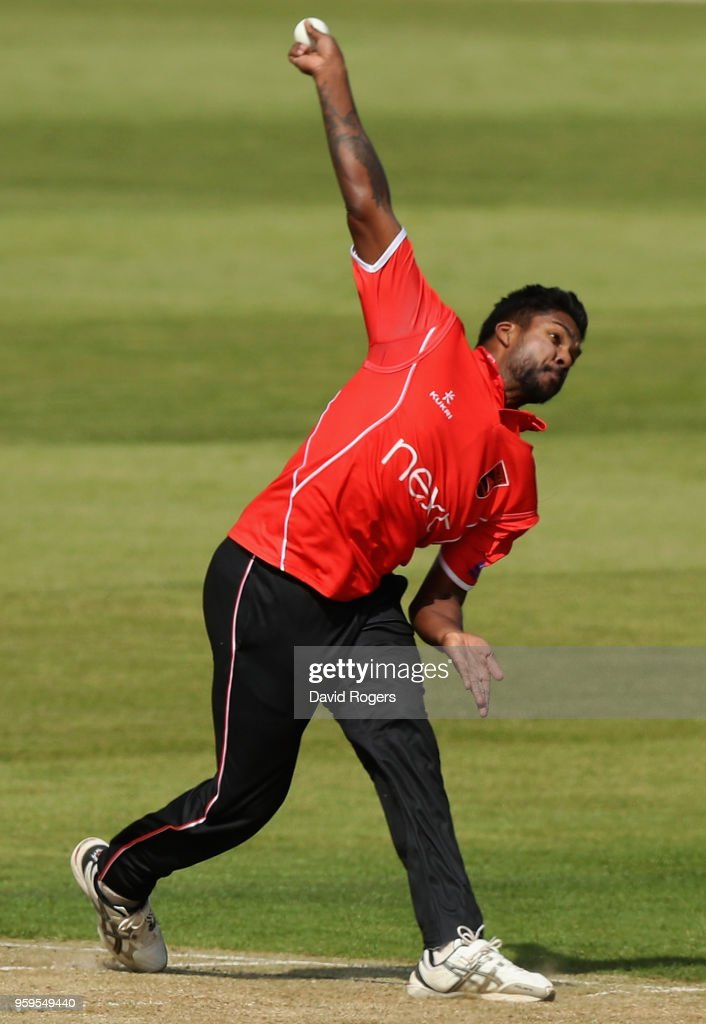 Varun Aaron of Leicestershire bowls during the Royal London One-Day Cup match between Northamptonshire and Leicestershire at The County Ground on May 17, 2018 in Northampton, England.