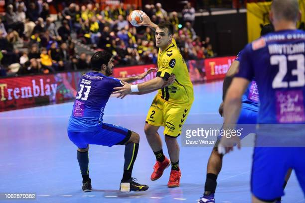 Vasko Sevaljevic of Tremblay and Benjamin Afgour of Montpellier during the Lidl Starligue match between Tremblay and Montpellier on November 17 2018...