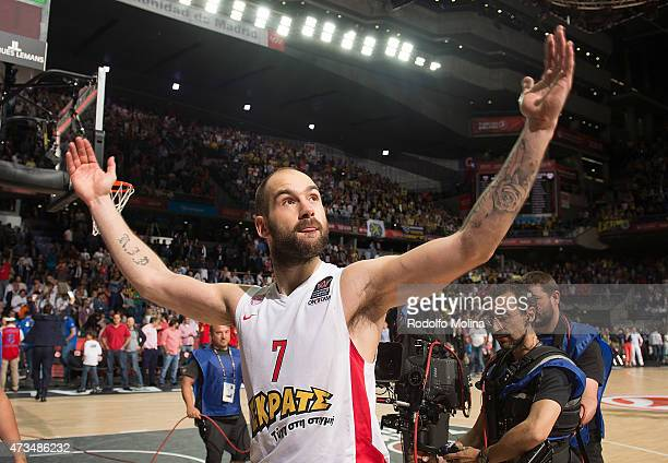 Vassilis Spanoulis, #7 of Olympiacos Piraeus celebrates at the end of the Turkish Airlines Euroleague Final Four Madrid 2015 Semifinal B game between...