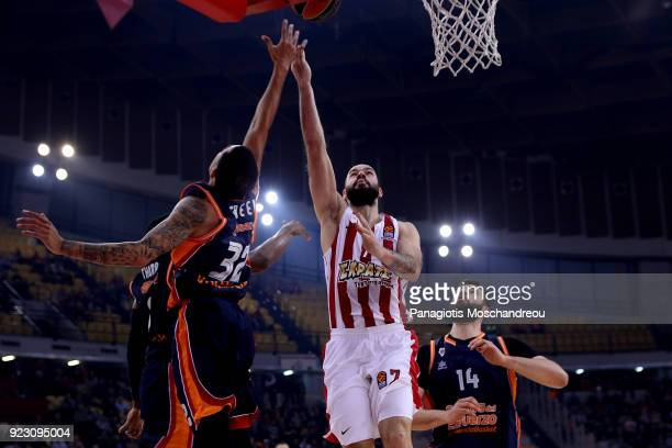 Vassilis Spanoulis #7 of Olympiacos Piraeus in action during the 2017/2018 Turkish Airlines EuroLeague Regular Season Round 23 game between...