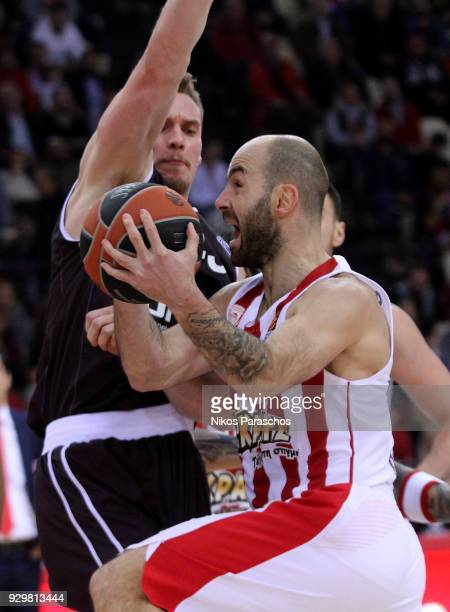 Vassilis Spanoulis #7 of Olympiacos Piraeus in action during the 2017/2018 Turkish Airlines EuroLeague Regular Season game between Olympiacos Piraeus...