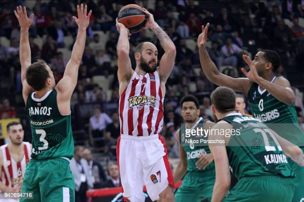 Vassilis Spanoulis #7 of Olympiacos Piraeus in action during the 2017/2018 Turkish Airlines EuroLeague Regular Season Round 30 game between...