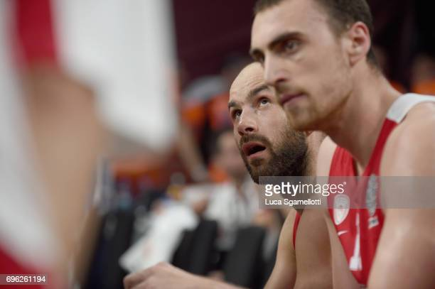 Vassilis Spanoulis #7 of Olympiacos Piraeus looks at the score during the Championship Game 2017 Turkish Airlines EuroLeague Final Four between...