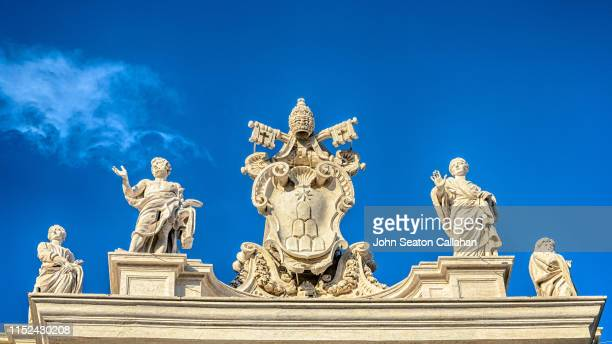 vatican city, st peter's plaza - vatikan stock-fotos und bilder