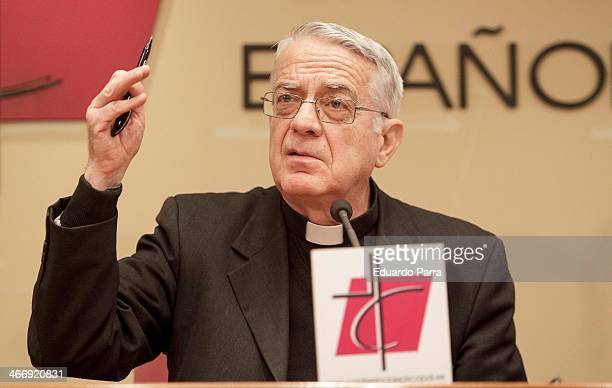 Vatican spokesman father Federico Lombardi gives a press conference at the Spanish Episcopal Conference on February 5 2014 in Madrid Spain Father...