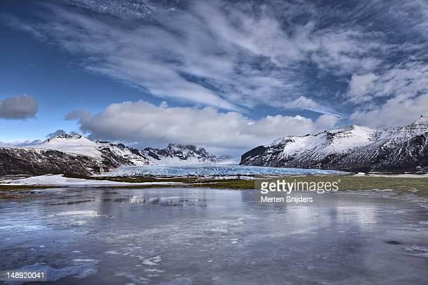vatnajokull glacial landscape. - merten snijders stock pictures, royalty-free photos & images