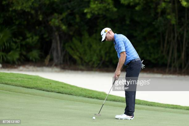 Vaughn Taylor of the United States putts on the 16th green during the second round of the OHL Classic at Mayakoba on November 10, 2017 in Playa del...