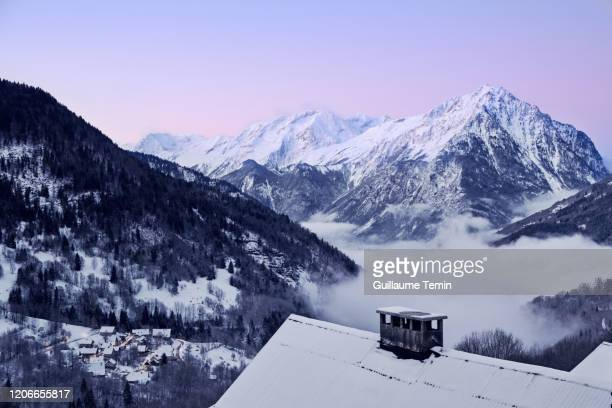 vaujany french alps - european alps stock pictures, royalty-free photos & images