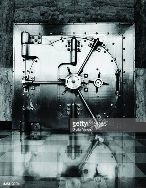 vault door - bank financial building stock pictures, royalty-free photos & images