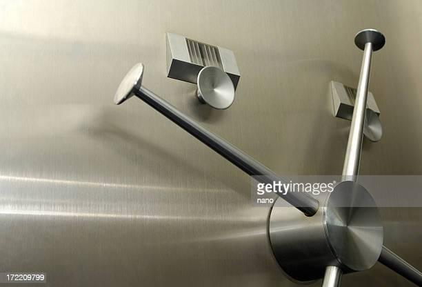 vault handle