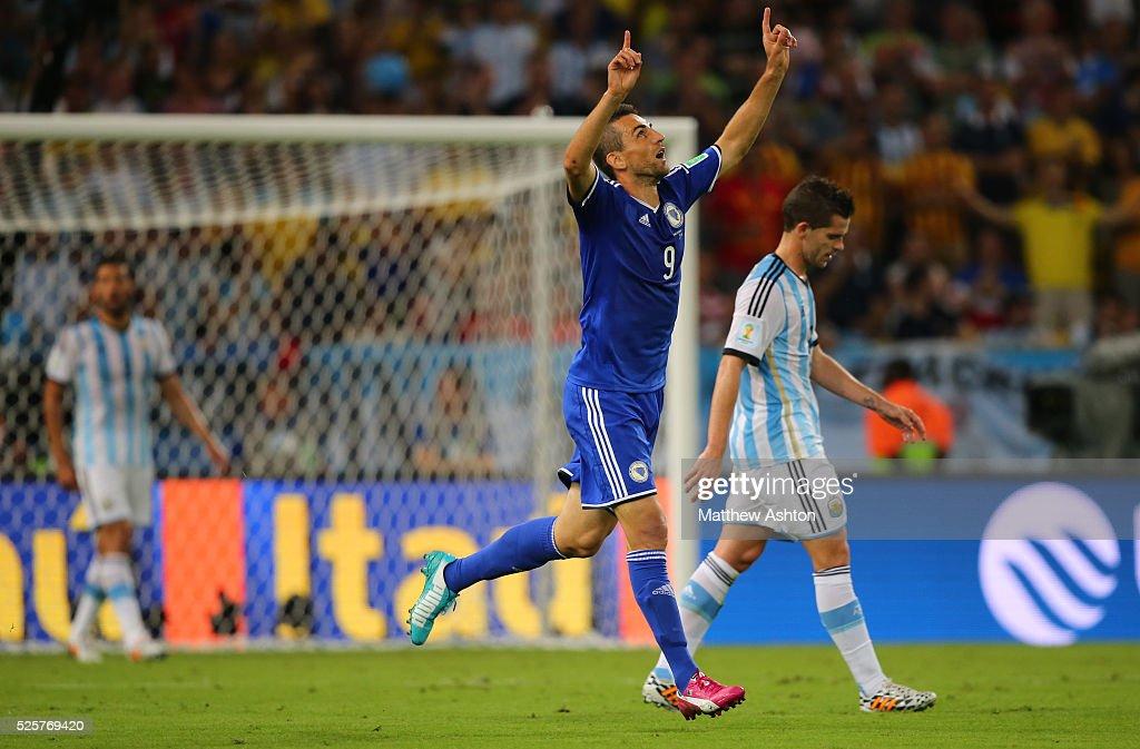 SOCCER : FIFA World Cup 2014 - Group F - Argentina v Bosnia and Herzegovina : News Photo
