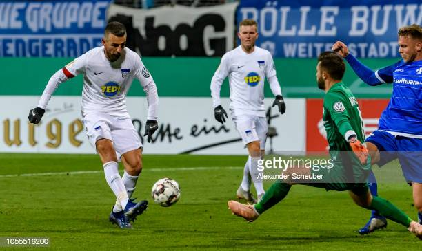 Vedad Ibisevic of Hertha in action against Daniel Fernandes of Darmstadt during the DFB cup match between SV Darmstadt 98 and Hertha BSC on October...