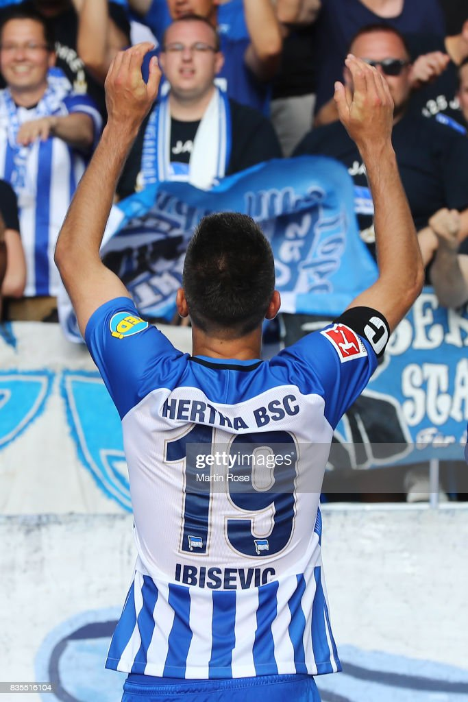 Vedad Ibisevicof Hertha BSC Berlin celebrates with their fans after the Bundesliga match between Hertha BSC and VfB Stuttgart at Olympiastadion on August 19, 2017 in Berlin, Germany.