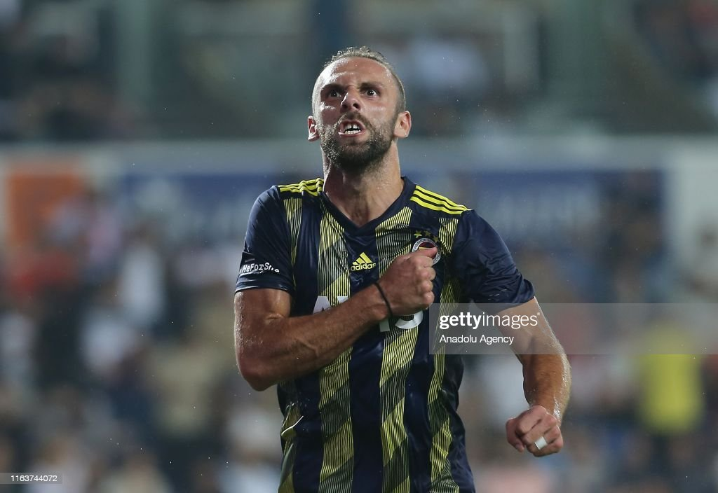 Medipol Basaksehir vs Fenerbahce: Turkish Super Lig : News Photo
