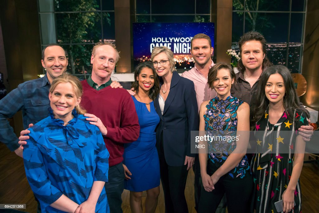 NIGHT -- 'Veep vs. The Walking Dead' Episode 509 -- Pictured: (l-r) Tony Hale, Anna Chlumsky, Matt Walsh, Contestant, Jane Lynch, Contestant, Lauren Cohan, Josh McDermitt, Christian Serratos --