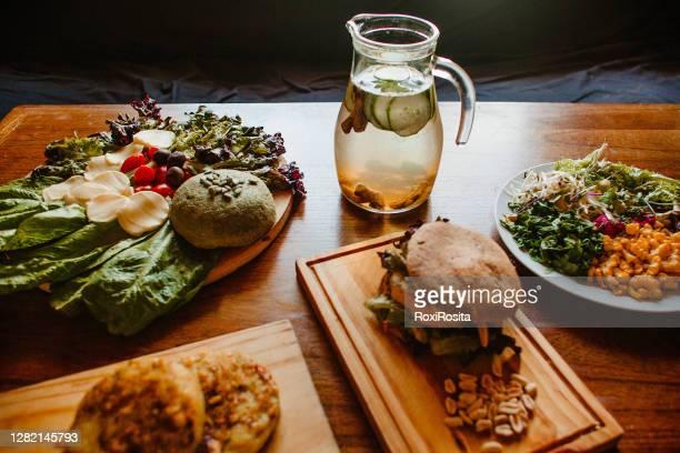 vegan food - hamburger stock pictures, royalty-free photos & images