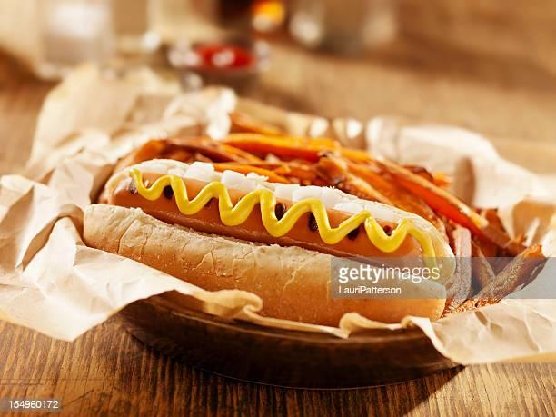 完全菜食主義者用のホットドッグ、サツマイモのフライドポテト